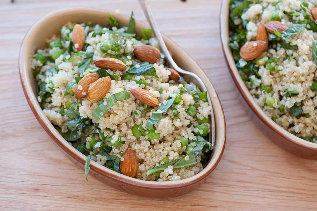 quinoa superfood in bowl