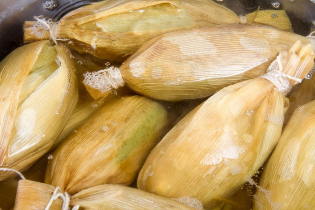boiling tamales in water