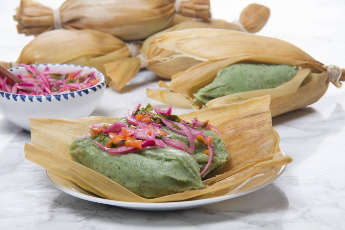 Photos of green tamales Peruvian tamalitos verdes