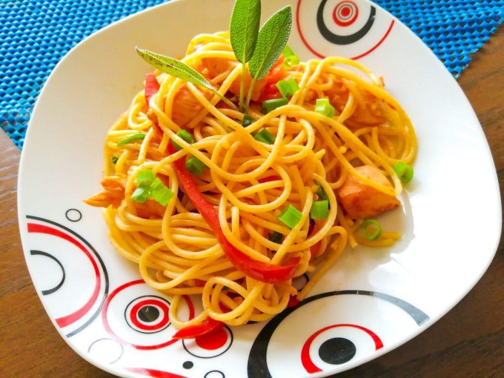 Tallarin saltado recipe Peruvian stirfry noodles