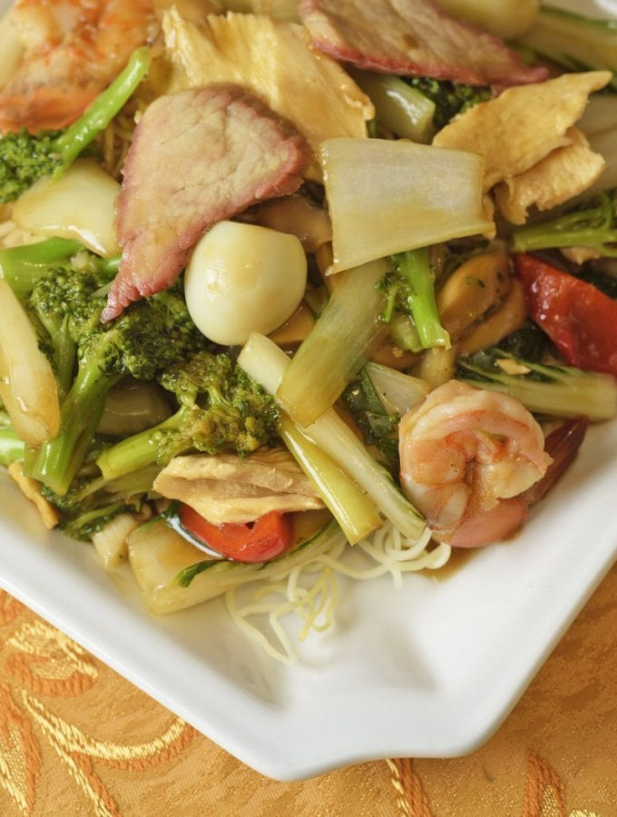 Peruvian Chinese food taypa with noodles