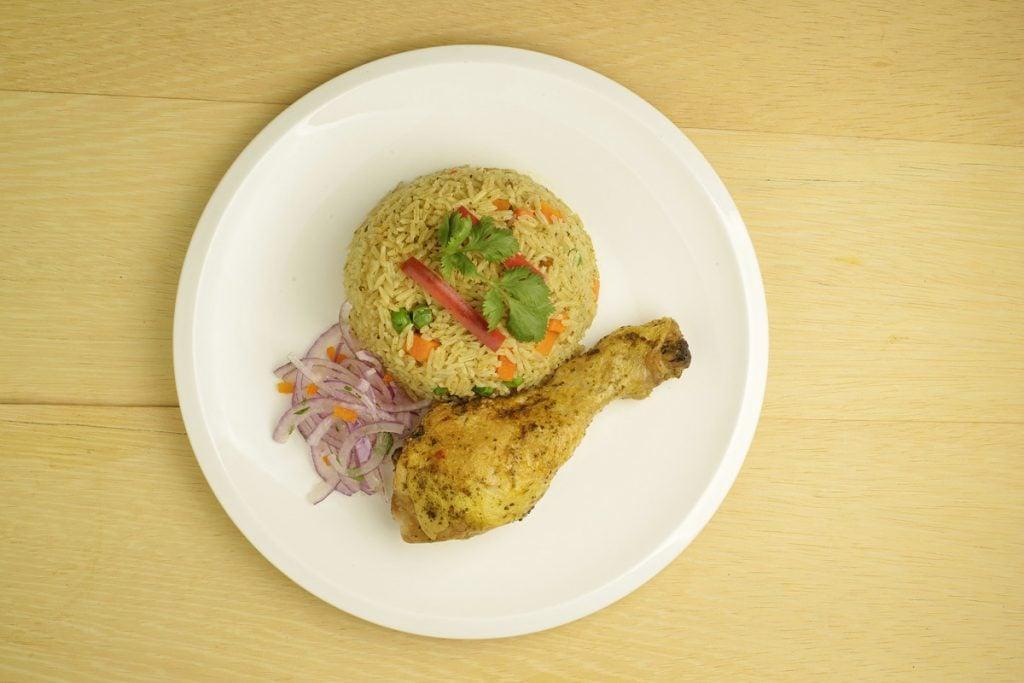 peruvian chicken and rice dish arroz con pollo peruano