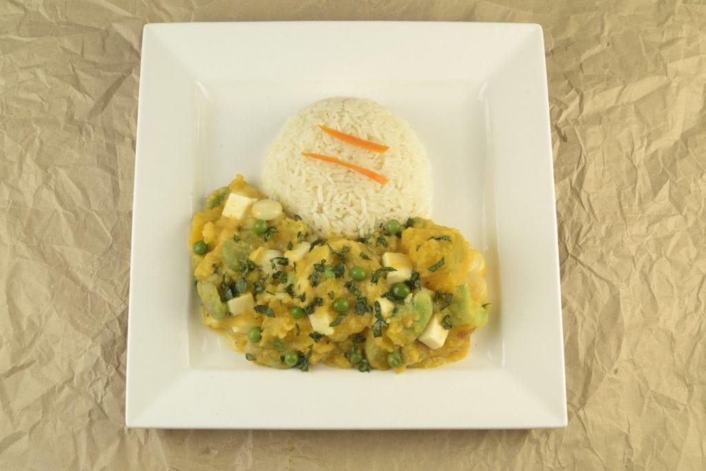 serve locro with white rice