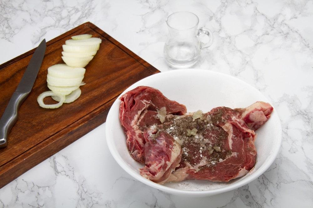 Steak With Pepper Garlic Vinegar Seasoning