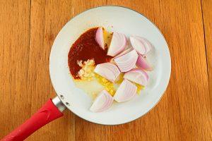 Step 4 Frying Giner Aji Panca Garlic On Pan