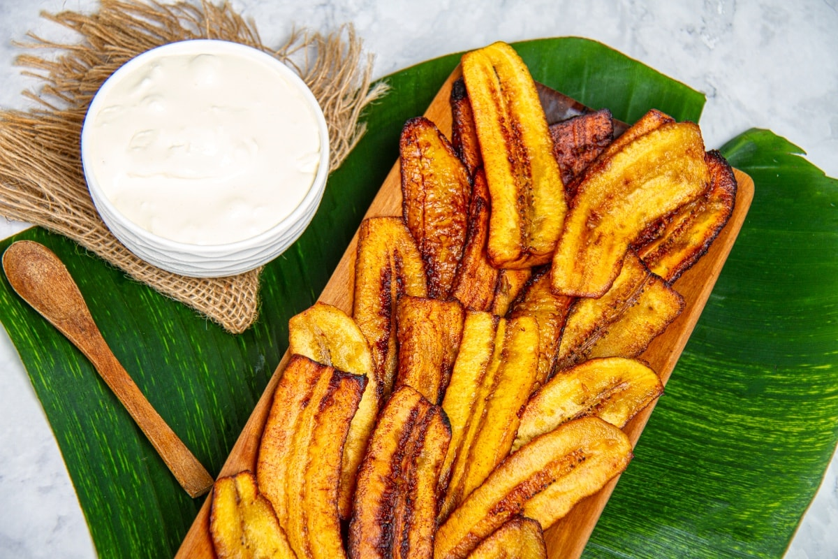 ripe deep fried fried plantain slices